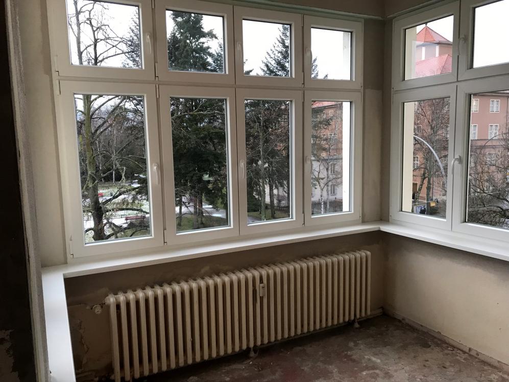 Fenster mit Oberlichter Fenster Krokos Berlin